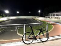 美鈴湖自転車競技場 - アメリカを自転車でエンジョイ