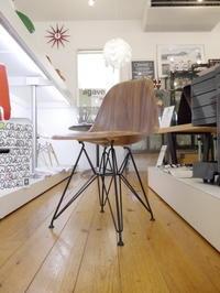 傑作デザインの進化...Eames Molded Wood Chairs - GLASS ONION'S BLOG
