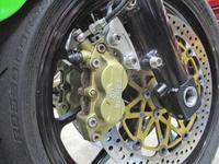 H内サン号 GPZ900Rニンジャにブレンボキャリパー&ブレンボディスク装着でジャダー解消!(^_^)/ - フロントロウのGPZ900Rニンジャ旋回性向上計画!