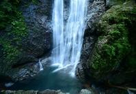 滝見テラスで眺める上多古川本谷 - 峰さんの山あるき