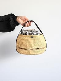 MUUNRound Basket S / WH × BKDOT - 『Bumpkins putting on airs』