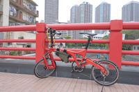 新しい相棒 - 青い自転車とともに