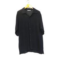 黒いシャツ。 - the poem clothing store
