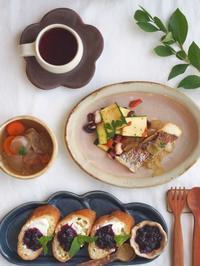 ブルーベリー朝ごはん - 陶器通販・益子焼 雑貨手作り陶器のサイトショップ 木のねのブログ