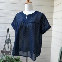 紺のドットワッシャーで透け感のあるブラウスを作らせていただきました - Flora 大人服とナチュラル雑貨