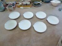 粉引き小皿とそら豆と洋ナシの箸置き - サンカクバシ 土と私の日記