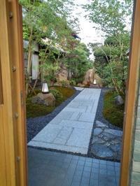先日、出来たばかりの庭です。 - 庭師ののんびり紀行