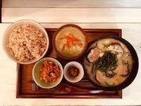 8月11日(日)の営業時間は13:00~17:00です。まだまだ冷たいお味噌汁が続きます!夏野菜をたっぷり使います♪ - miso汁香房(ロジの木)