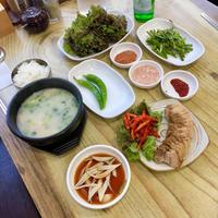釜山旅行 5 デジクッパの定食がおいしい~海雲台「スベクハンサン」 - ハレクラニな毎日Ⅱ