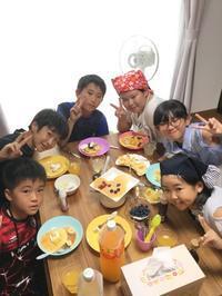 高学年 リーディング活動からの発展Let's make a pancake! - つばき英語教室