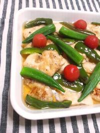 だし醤油で、鶏むね肉と夏野菜の焼きびたし - Minha Praia