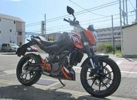 K木サン号 DUKE200のタイヤ交換でついにα13-SPへ・・・!(^^)! - バイクパーツ買取・販売&バイクバッテリーのフロントロウ!