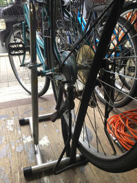 本日、台風近づいてますが営業中! - 自転車屋 TRIPBIKE