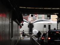 都会の踏切 - タビノイロドリ