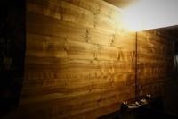 ブックマッチシンメトリー - SOLiD「無垢材セレクトカタログ」/ 材木店・製材所 新発田屋(シバタヤ)