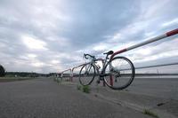 秋田マリーナ - 青い自転車とともに