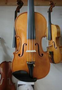 試奏できます! - 村川ヴァイオリン工房