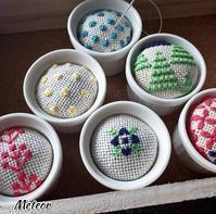 可愛い針刺しと巾着、クレイのお花のトレー - Colokobo's Blog