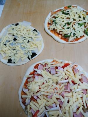 お昼はピザ -