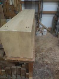 テレビボードの仮組と脚組み立て。 - 手作り家具工房の記録