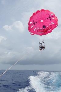 翻弄されましたが・・・・~糸満近海パラセーリング&シュノーケリング~ - 沖縄本島最南端・糸満の水中世界をご案内!「海の遊び処 なかゆくい」