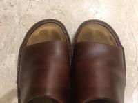 気になるサンダルの足の跡 - シューケアマイスター靴磨き工房 銀座三越店