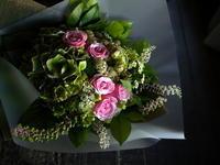 お誕生日の女性への花束。「ピンク~グリーン等。クール&可愛らしい」。南1西2にお届け。2019/08/13。 - 札幌 花屋 meLL flowers