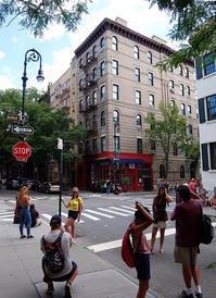 NYで一番有名な『フレンズ』のロケ地、フレンズ・アパートメント(Friends Apartment) - ニューヨークの遊び方