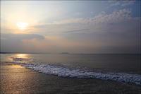 2019/08/19(MON) 穏やかな海.ウネリ割れるポイント! - SURF RESEARCH