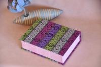 タイルー族のファブリックで作ったブック型のフリーボックス - atelier bleuet ~アトリエ・ブルーエ~