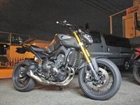 K5サン号 MT-09のRタイヤ&エンジンオイル交換からのキャリパーピストン揉み出し♪ - バイクパーツ買取・販売&バイクバッテリーのフロントロウ!