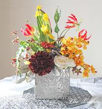 受付を飾る花 - アーティフィシャルフラワー THE LIGHTS(ザ・ライツ)