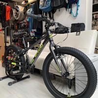 怒濤の作業が続いております。 - 東京都世田谷 マウンテンバイク&BMXの小川輪業日記