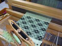 オーバーショットでミニマフラー - アトリエひなぎく 手織り日記
