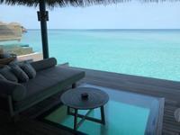 Vakkaru Maldivesの水上プール・ヴィラ♪ - 香港極妻日記 ー極楽非凡なアメリカ人妻日記 in 香港ー