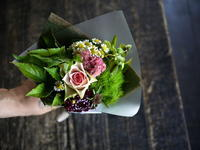 お誕生日の花束。2019/08/19。 - 札幌 花屋 meLL flowers