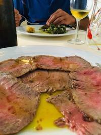 イタリア的じゃないけれど〜ダ・ドーロの絶品ローストビーフ - ローマの台所のまわり