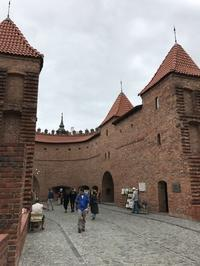 ポーランド旅行記2019夏(20)バルバカンからキュリー夫人博物館へ - 本日の中・東欧