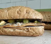 ローマへ〜スモークにしんのサンドイッチ - ローマの台所のまわり