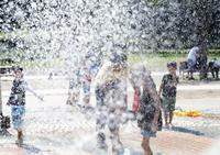 Water play - + anything goes +