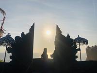 ウルワツ寺院とケチャダンス - かなりんたび