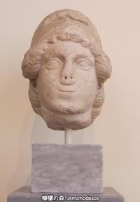 ローマン・アゴラ出土のアテナ女神の頭部彫刻 - 日刊ギリシャ檸檬の森 古代都市を行くタイムトラベラー