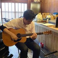 マレーシアからギターレッスンに来たT君との楽しいひととき。 - 線路マニアでアコースティックなギタリスト竹内いちろ@三重/四日市