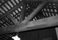 屯田兵屋の屋根とプラタナスの葉 - 照片画廊