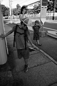 夕方、チビ助チビ子とバスで駅南へ - Yoshi-A の写真の楽しみ