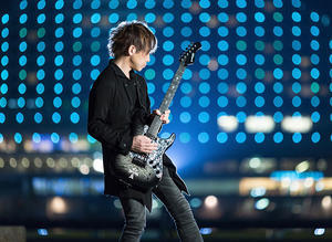 明日(9/8・日)はPERSONZリードギタリスト、本田 毅さんのLiveです。 - Iwaki QUEEN