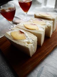 桃のフルーツサンド - Kitchen diary