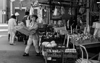杭瀬市場 (2) - tonbeiのはいかい写真日記