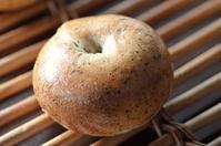 今日もパンを楽しむ会と梨 - 森の中でパンを楽しむ