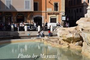 月曜日はトレヴィの泉のお掃除とネイルの日♪ - ローマより愛をこめて